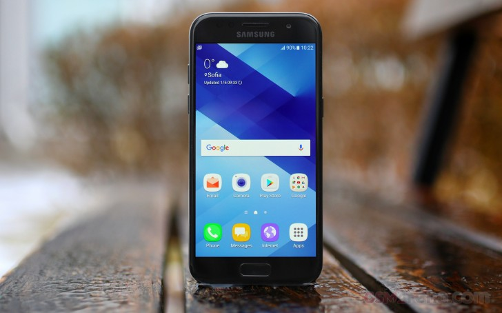 Samsung Galaxy A3 (2017) gets upgraded to Android 8.0 Oreo in Russia
