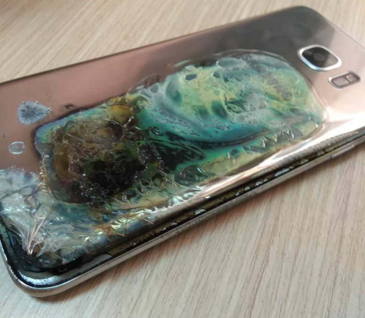 This time, Samsung Galaxy S7 Edge blew up